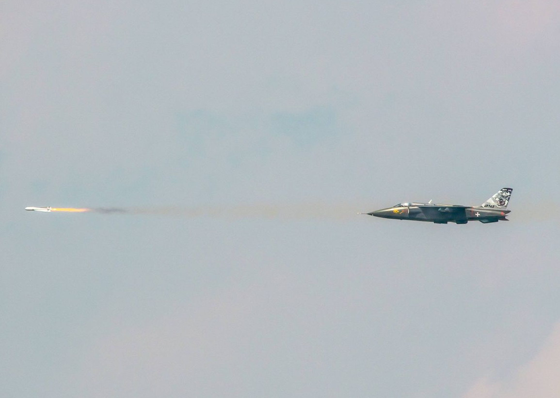 "[FOTOREPORTAŽA]""Munjeviti udar 2021"": Maverik iznad Peštera, bojevo gađanje helikoptera H145M, zanimljive premijere naoružanja, vojska dobila sisteme PVO Mistral"