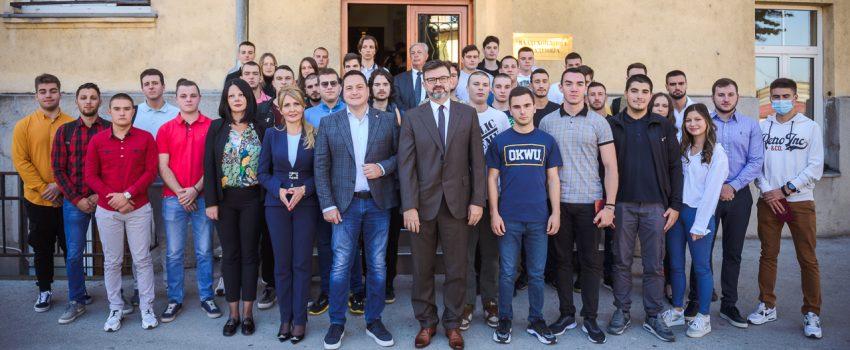 Vazduhoplovna akademija upisala prvu generaciju visoke škole strukovnih studija: 43 kandidata na studijskim programima za pilote, kontrolore i mehaničare